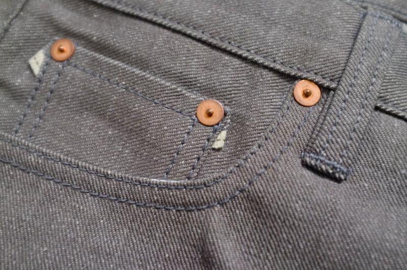 Dimen Tsuneki Peek-a-boo selaveg coin pocket